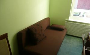 Stancja - Łódź - Pokój w pełni wyposażony z podwójną kanapą i szybkim internetem